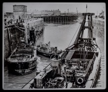 Thought to be 1930s working on the lock gates, Albert Dock with the Minerva centre background