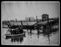 The Pontoon Bridge connecting Beverley to Weel has been swept away by high tides in 1949