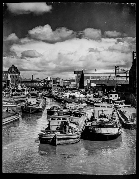 Looking towards North Bridge from Drypool Bridge 6th June 1957