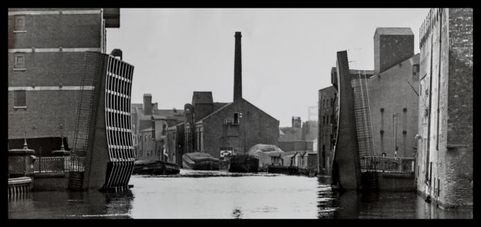 River Hull at Scott Street looking north