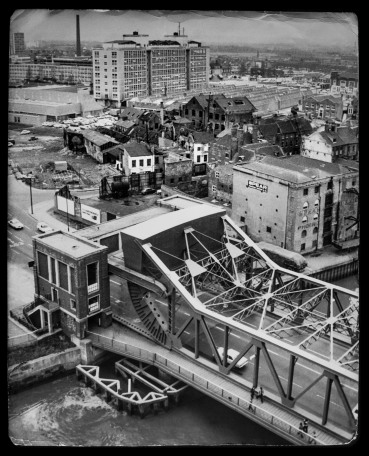 Drypool Bridge and the College of Technology 7th February 1975