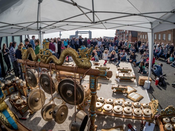 Gamelan, Orchestra and Audience